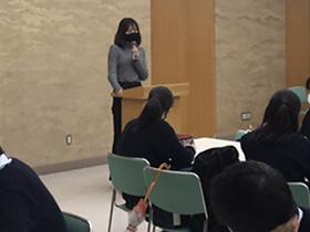 本校卒業生を招いて進路報告会<高2先進・Ⅰ類コース>